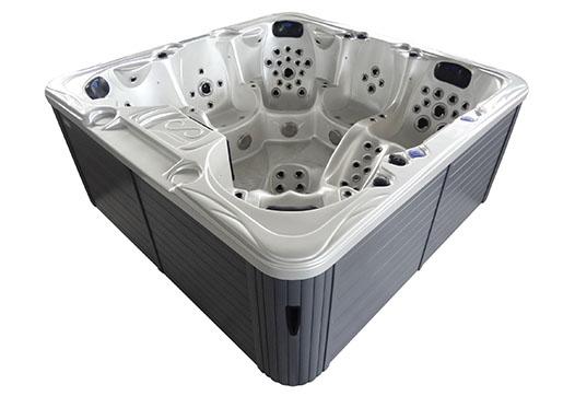 Hestia hot tub