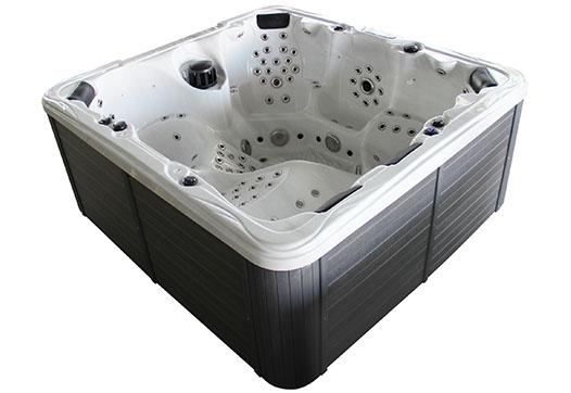 Paris hot tub