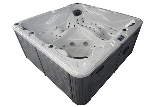 Zeus hot tub
