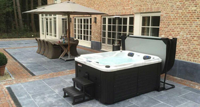 Acrylic Hot Tub